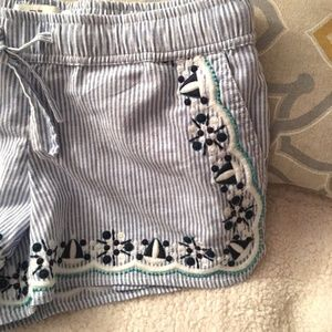 🦋SALE TODAY Super Cute Embroidered Shorts